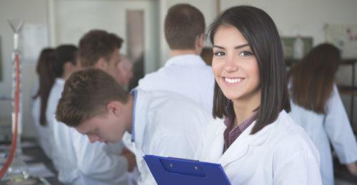 Studia podyplomowe dla farmaceutów. Możliwości rozwoju kariery