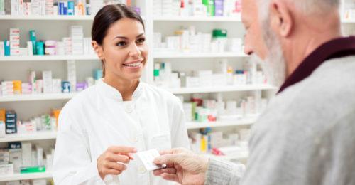 Opieka farmaceutyczna w Polsce i na świecie. Jakie są cechy dobrego farmaceuty?