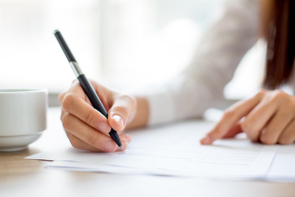 Umowa o pracę, umowa zlecenie - na jakich warunkach pracują farmaceuci i technicy?